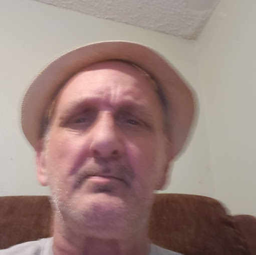 user Danny Messick apkdeer profile image