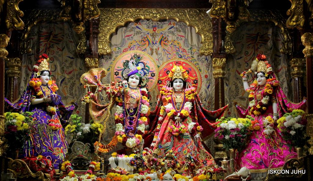 ISKCON Juhu Sringar Deity Drashan on 17th Jan 2017 (20)