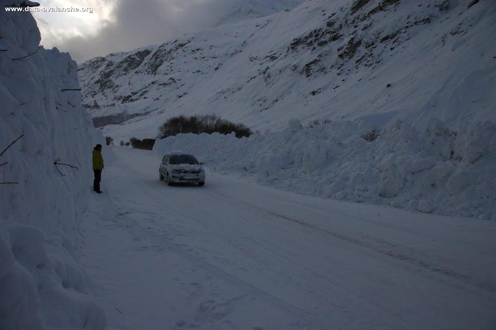 Avalanche Haute Maurienne, secteur Pointe d'Andagne, Rosse Zaille, Bonneval sur Arc, RD 902 - Photo 1