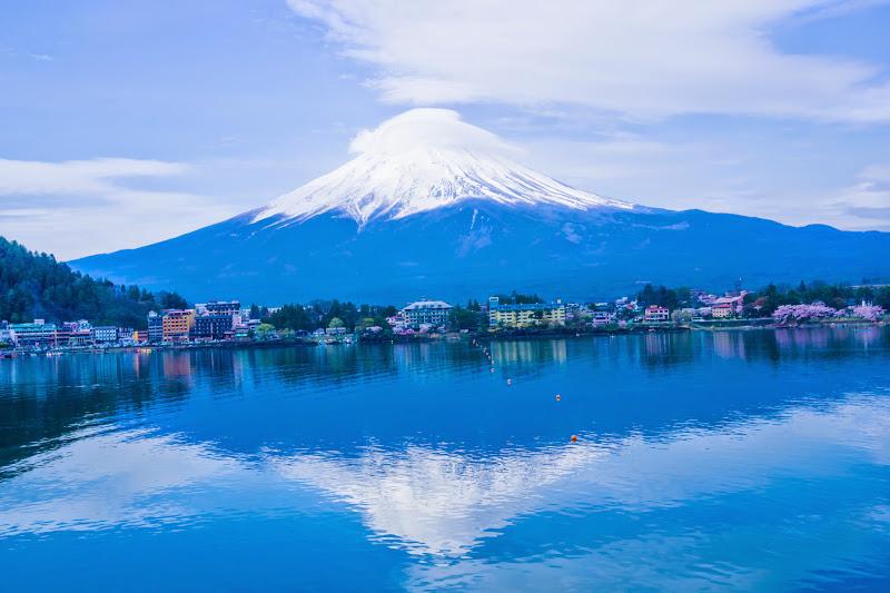 Lake kawaguchiko, cherry blossoms, Mt Fuji, Ubuyagasaki 3
