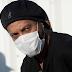 Ronaldinho testa positivo para Covid-19