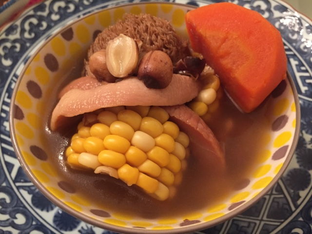 【Sammy】幼兒湯品: 猴頭菇淮山紅蓮螺片湯 | 有心食譜
