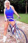SaRenna Lee_Sarenna Spokes Model