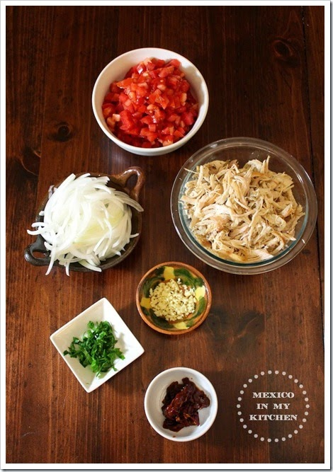 ingredients needed to make Mexican tinga