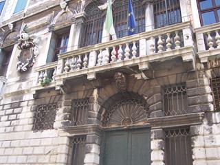 2009.05.18-030 maison de Casanova