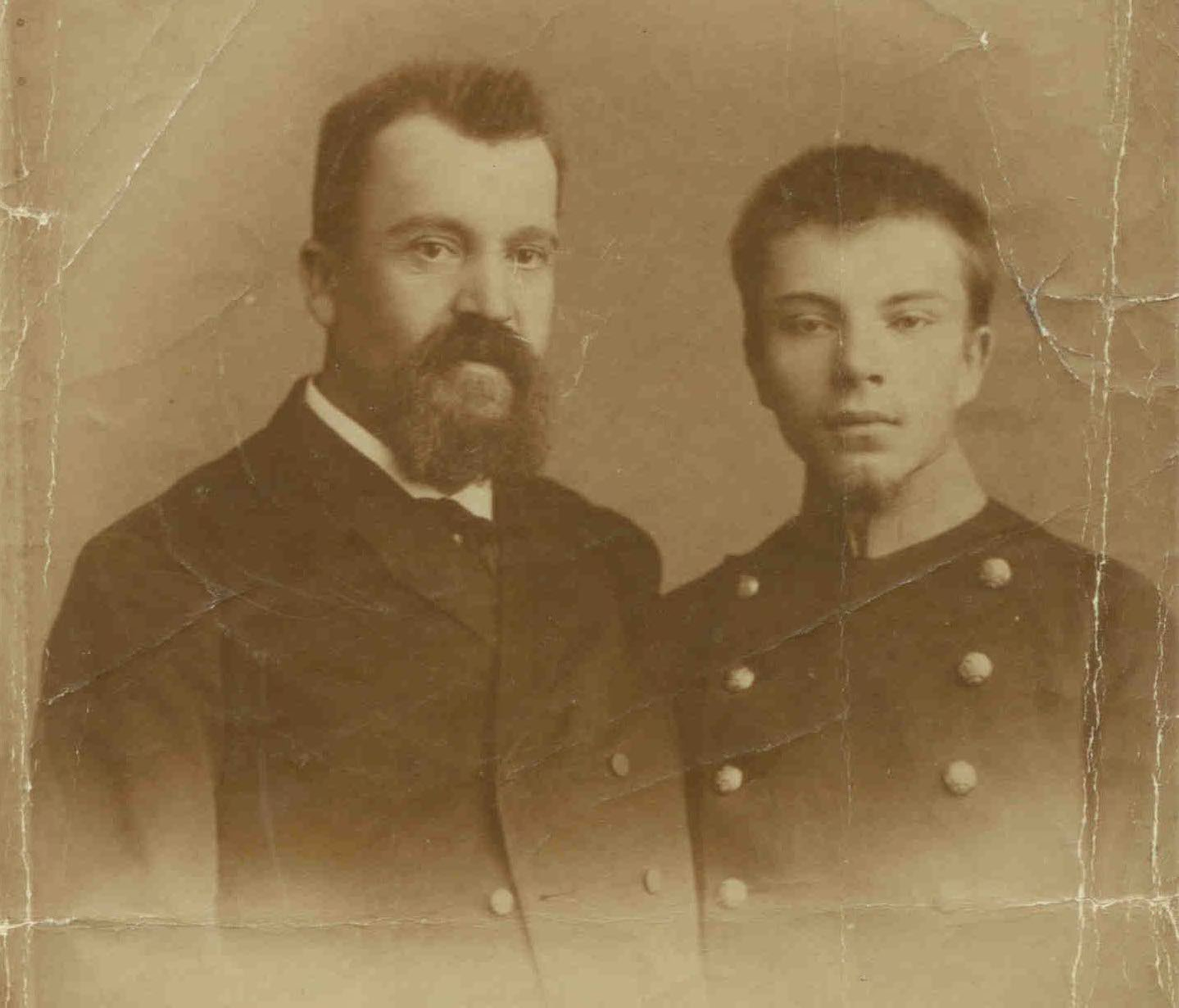 Photo: Шулятиков Михаил Иванович с сыном Владимиром, 1893 год