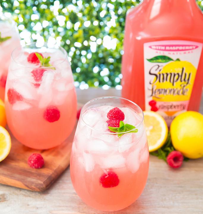 photo of sparkling raspberry lemonade cocktails