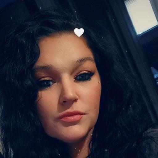 user Kristen Marcum apkdeer profile image