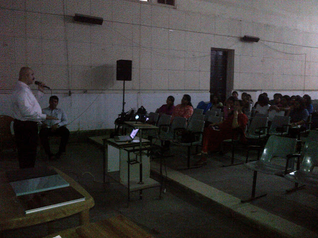 Addressing the 4th Year Architecture Students of J.J.School of Architecture - IMG-20120725-00086.jpg