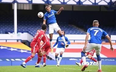 League Leader Everton Draw Liverpool In Merseyside Derby