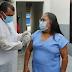 Técnica de Enfermagem Raimundinha recebe as primeiras doses da vacina em Fátima-BA