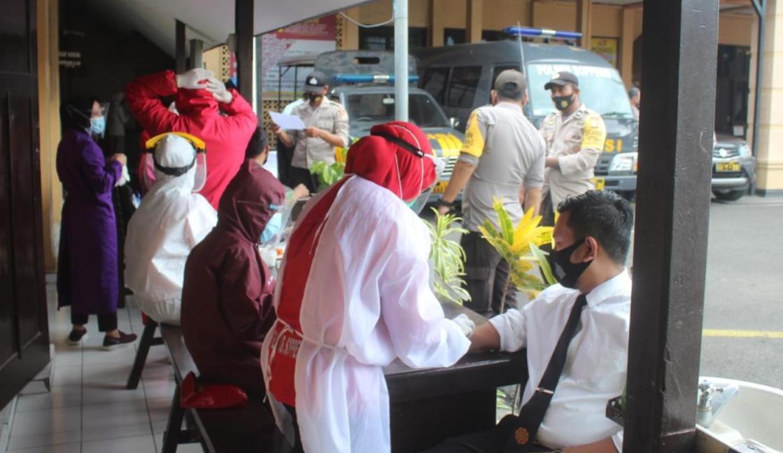 Rapid Tes 250 Personil Polres Soppeng