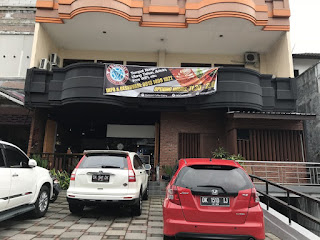 Starboost coffee eatery
