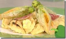 Cappelletti di giuncata e salame ai fiori di zucca