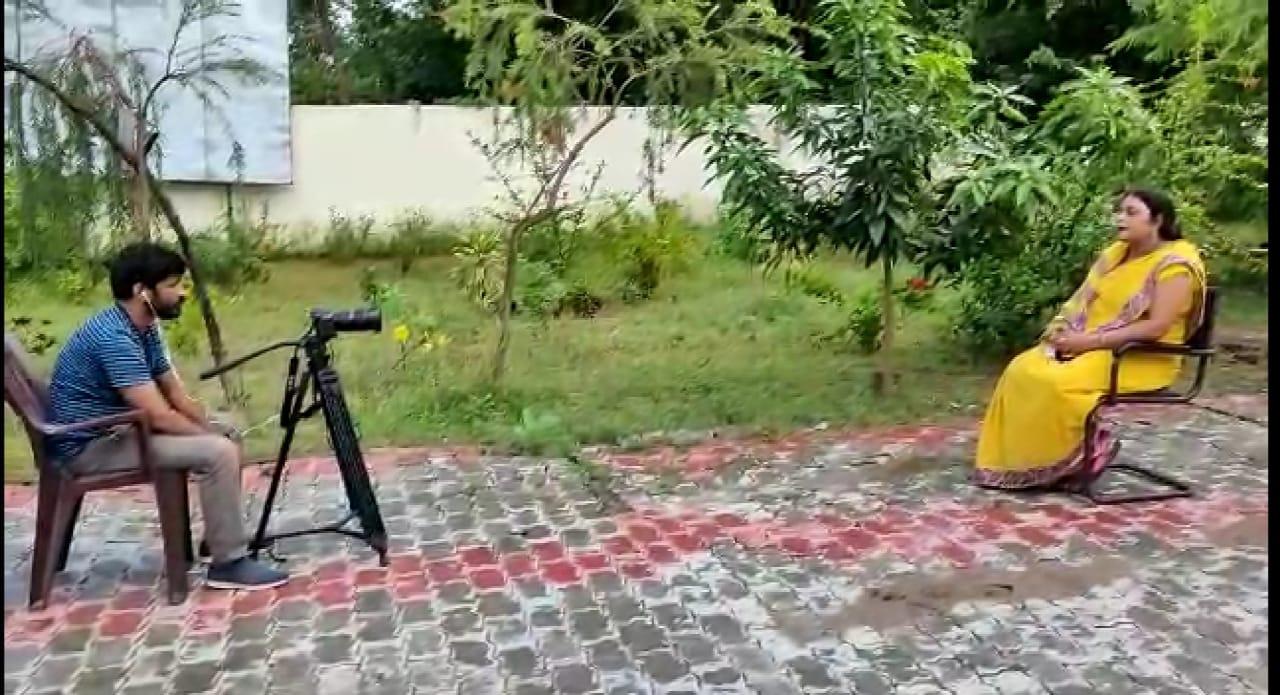 आदर्श ग्राम दांवा में डॉक्यूमेंट्री फिल्म शूट,सात निश्चय योजना पर बना  फिल्म