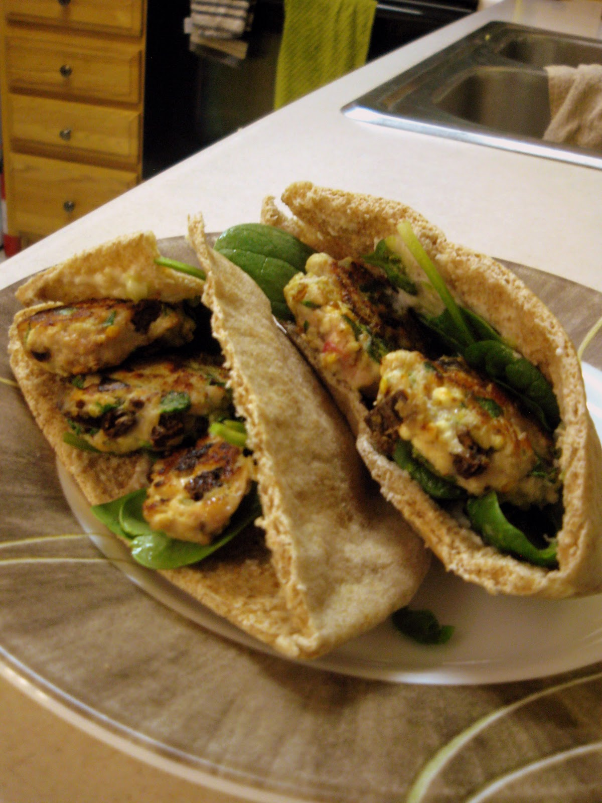Happy Insides: Greek Chicken Mini Burgers