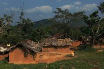 Oblast Lulingu na východě DR Kongo je dechberoucí. Nádherná divoká krajina, fascinující lidé, vesnice ukryté hluboko v konžské džungli. Ovšem živobytí necelých 150 000 obyvatel Lulingu není snadné. (Foto: Tomáš Kubeš)