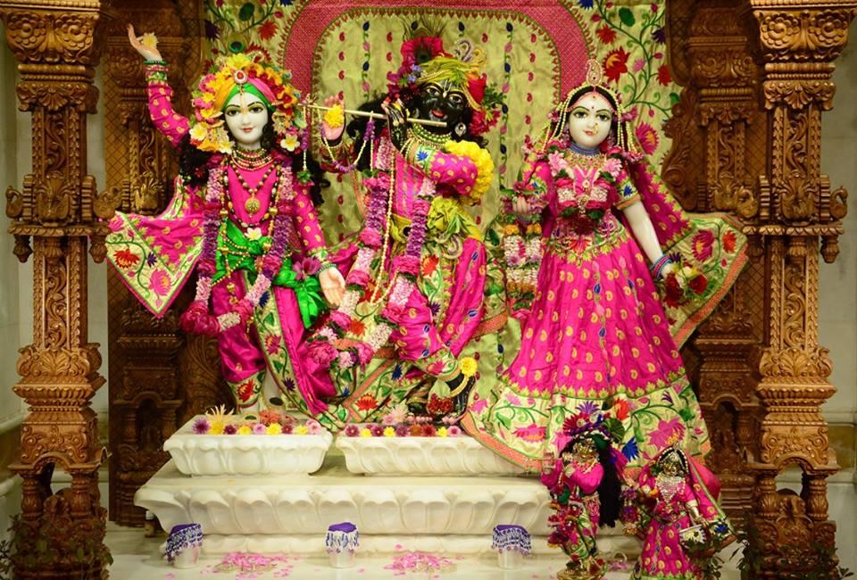ISKCON GEV Deity Darshan 08 Jan 2017 (1)