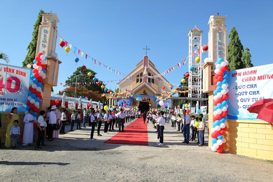 Thánh lễ mừng 40 năm hình thành và phát triển giáo xứ Vĩnh Bình (15/8/1975 – 15/8/2015)