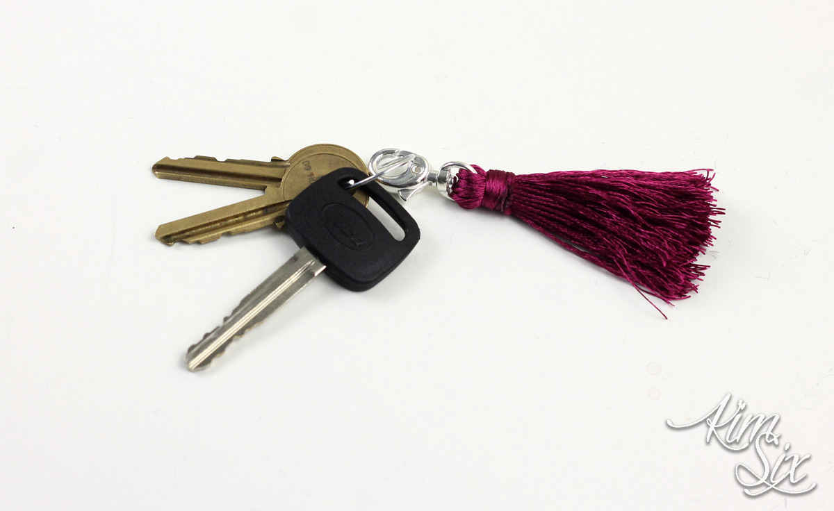 How to make your own DIY embroidery floss tassel keychain. So easy and fast to do!