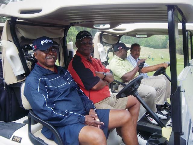 2011 NFBPA-MAC Golf Tournament - Golf%2BV1%2BApril%2B8%252C%2B2011%2B080.JPG