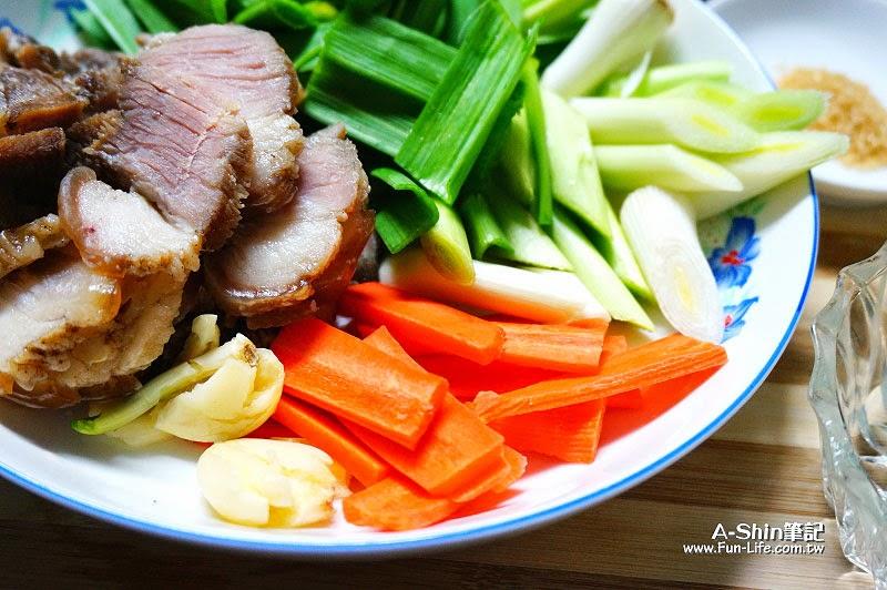 愛比諾橄欖油,蒜苗炒鹹豬肉-3