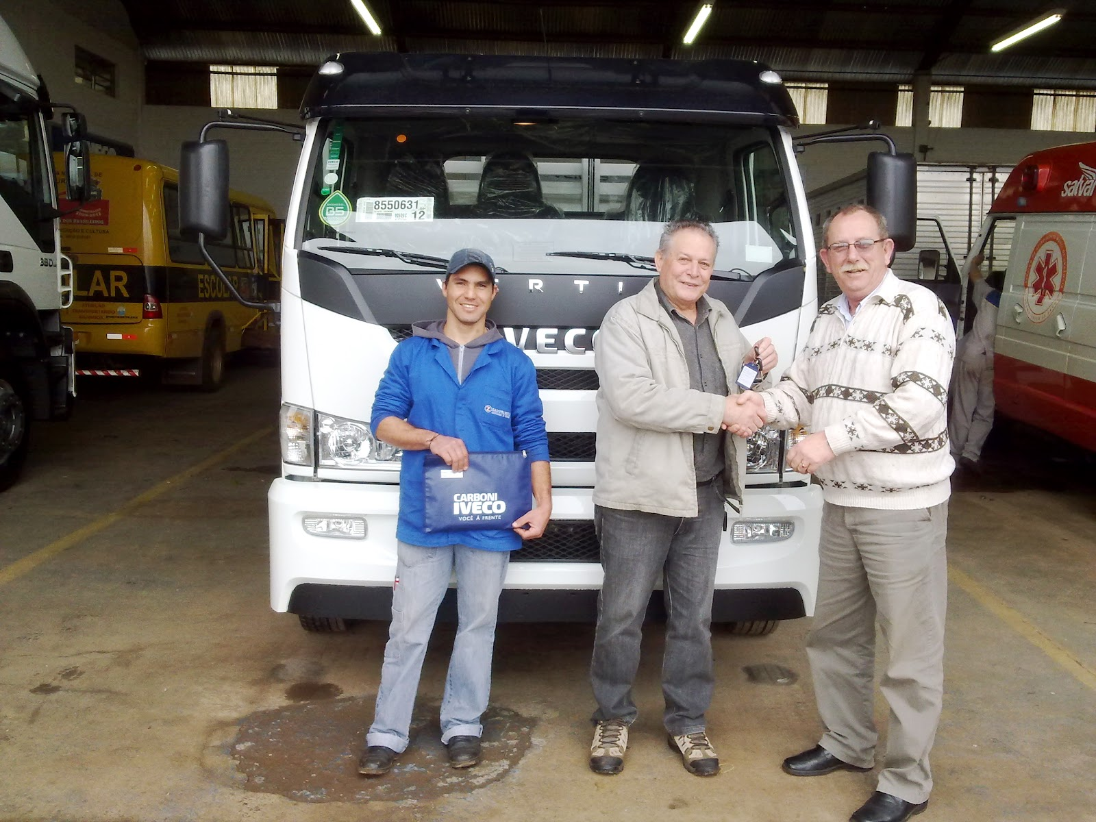 Carboni Iveco de Passo Fundo entrega unidades 0km na região zampronio