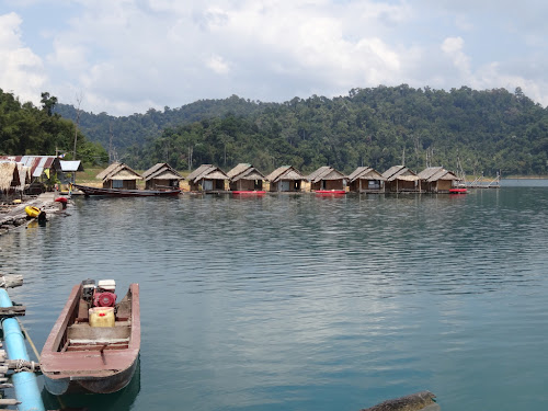 The floating raft houses.