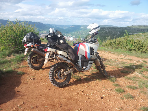 L'Ultimate Offroad Ride 2014 MILLAU-ROSAS(Esp)-COLLIOURE - Page 10 20140507_182526