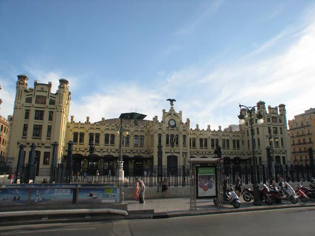 Administrative Building, Valencia