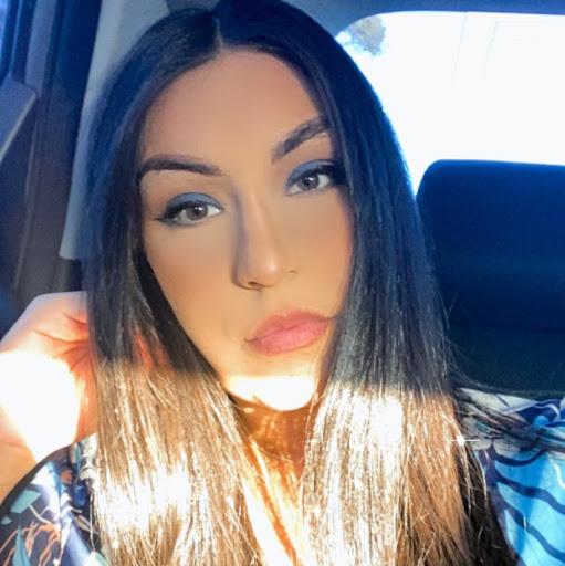 Claudia Diaz Photo 15