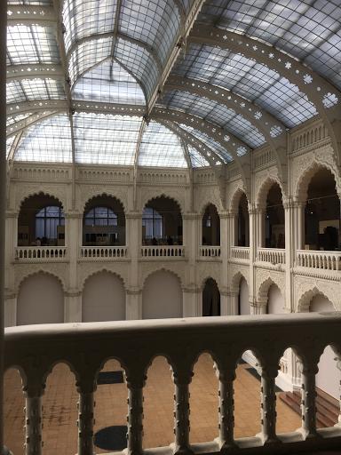 ハンガリー工芸美術館①
