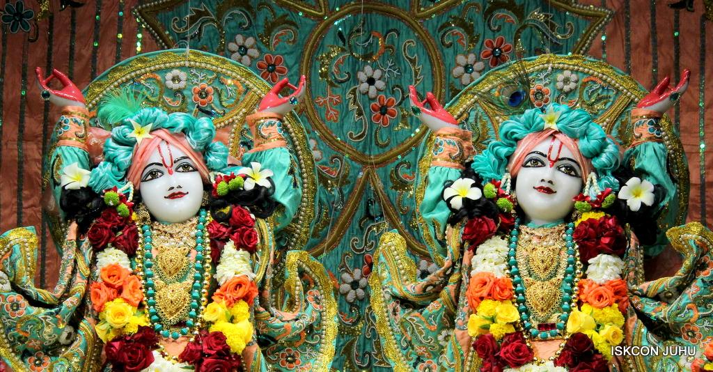 ISKCON Juhu Sringar Deity Darshan on 19th Jan 2017 (38)