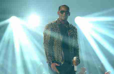 Four R Kelly Tour dates cancelled due to 'poor ticket sales'