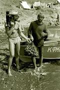 1974 г. Вечерний улов - рапана для сувениров