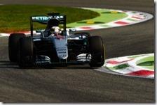 Lewis Hamilton nelle prove libere del gran premio d'Italia 2016