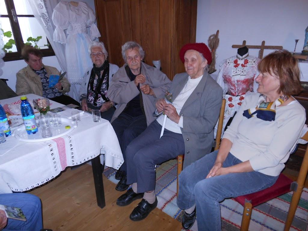 vpravo dobrovolníčka Zuzka Zigoliová, žijúca v Taliansku
