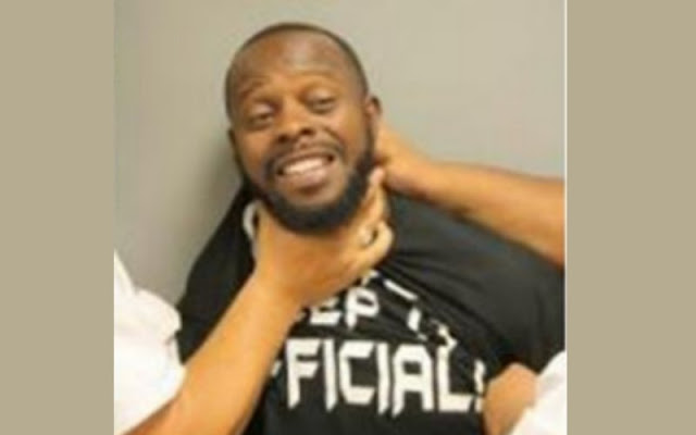 Houston cops choke detainee for smiling too much