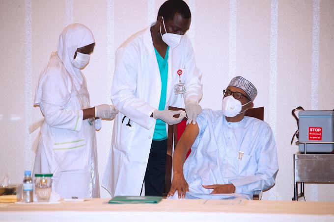 President Buhari, VP Osinbajo Receive COVID19 Vaccine Jabs (Photos)