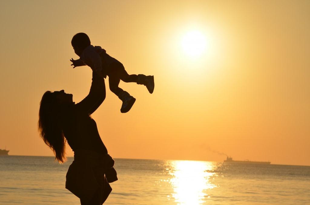 [baby_beach_child_dawn_joy_mother_ocean_sea-924878.jpg%21d%5B2%5D]