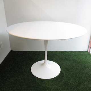 Knoll Eero Sarineen Tulip Dining Table