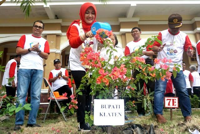 Menuju Klaten Kota Bunga Sejuta Warna, Pemkab Launching Gerakan Sekolah Menanam Bunga