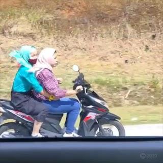 Duo Ughty Terobos Tol Bawen Semarang