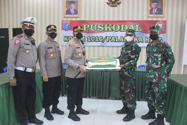 Kunjungi Makodim 1016, Kapolresta Palangka Raya Ucapkan HUT ke-76 TNI