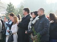 Az iskola tanárai közt Balkó Róbert és Paulisz Marian polgármesterek.JPG