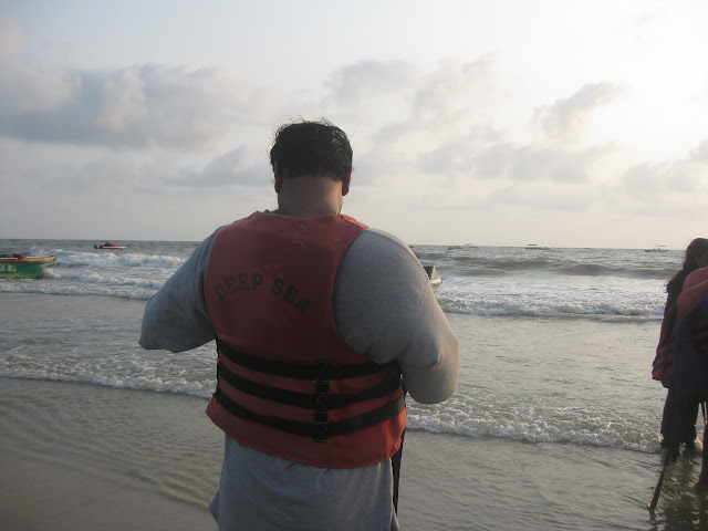 preparing for boating in colva sea beach