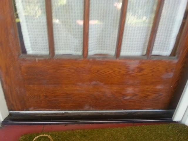 Old varnish finish