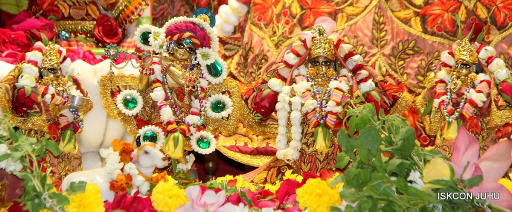 ISKCON Juhu Sringar Deity Darshan on 30th May 2016 (9)
