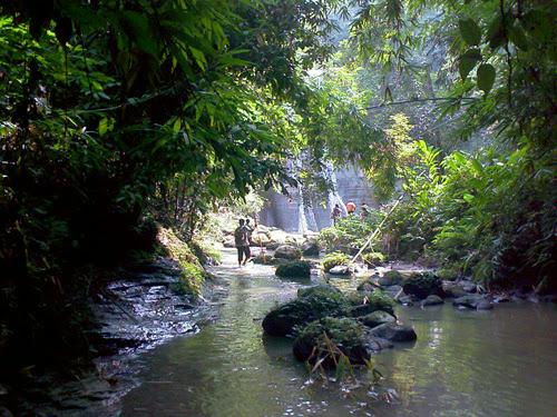 Trekkeing for Ham Ham Waterfalls.