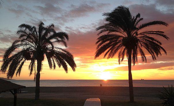 Sonnenaufgang am Weihnachtsfest in Malaga